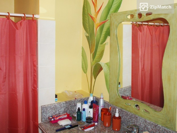 2 Bedroom  Raya Gardens, Paranaque, Fully Furnished 2 BR for Rent big photo 7