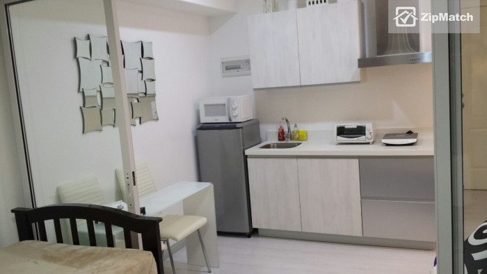 1 Bedroom                              Azure Urban Residences Resort Living Condo for Rent in Paranaque big photo 4