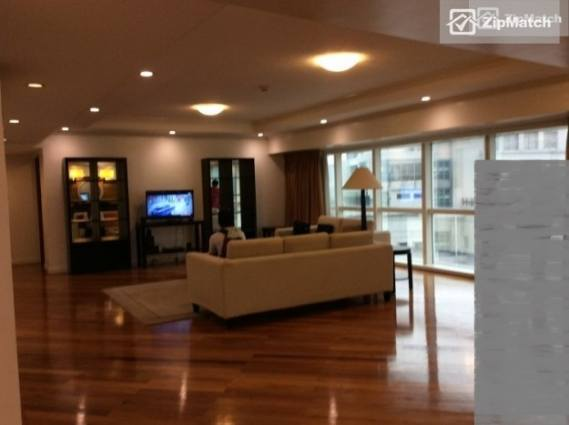 4 Bedroom Condominium in Fraser Place