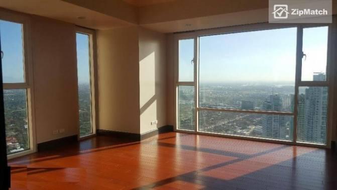 4 Bedroom Condominium in Discovery Primea